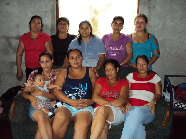 Banco Mujer Luz De Esperanza Group