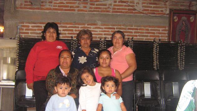 Las Vecinitas Group